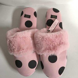 NWT Victoria's Secret pink slippers size M